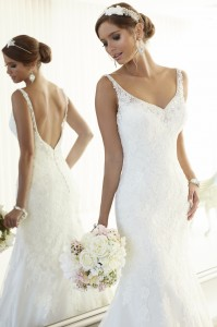 Essense of Australia Style 568857