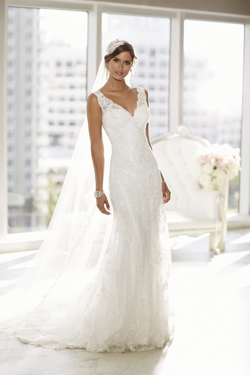 Essense of australia style 568858 angelica bridal for Lace wedding dress overlay
