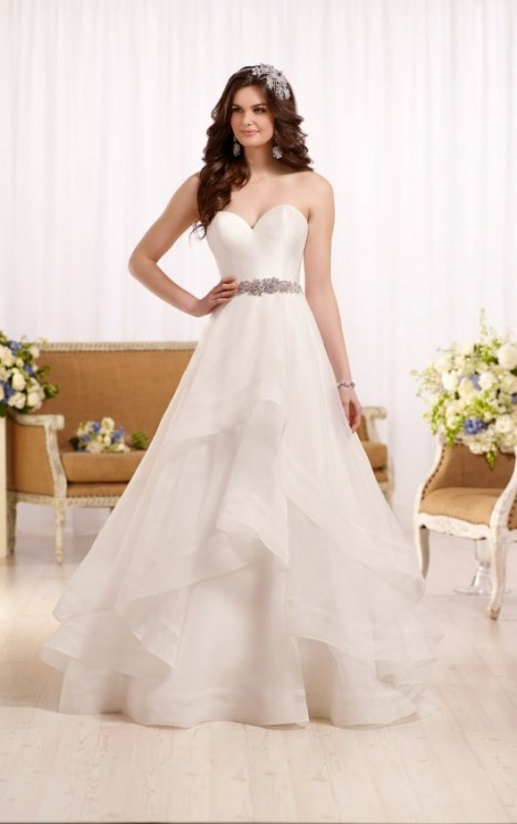 Essense of Australia Style 568893
