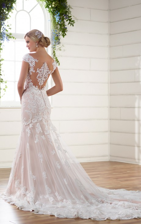 Essense of Australia Style 568897