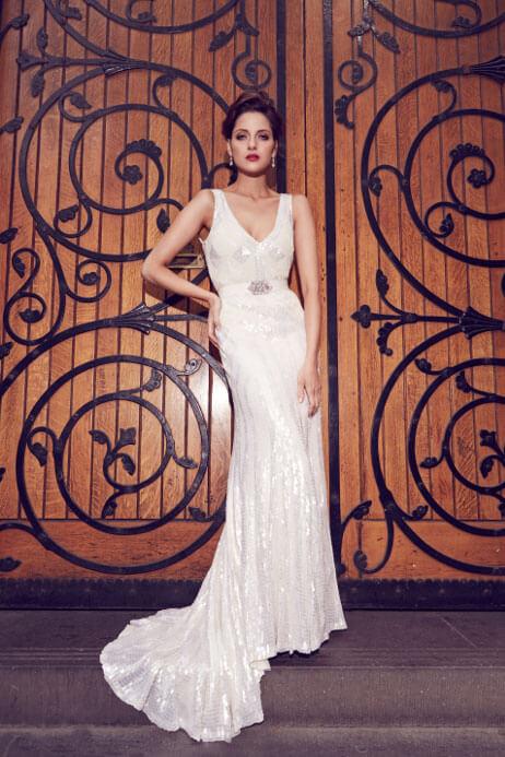 Karen Willis Holmes Style 688803