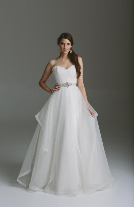 Karen Willis Holmes Style 688823