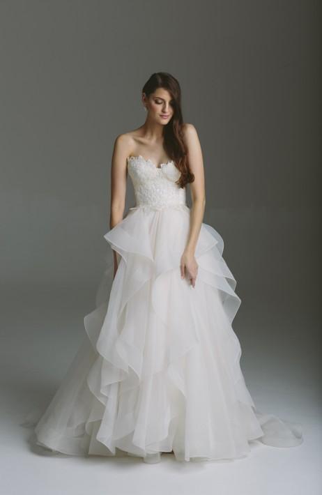 Karen Willis Holmes Style 688824