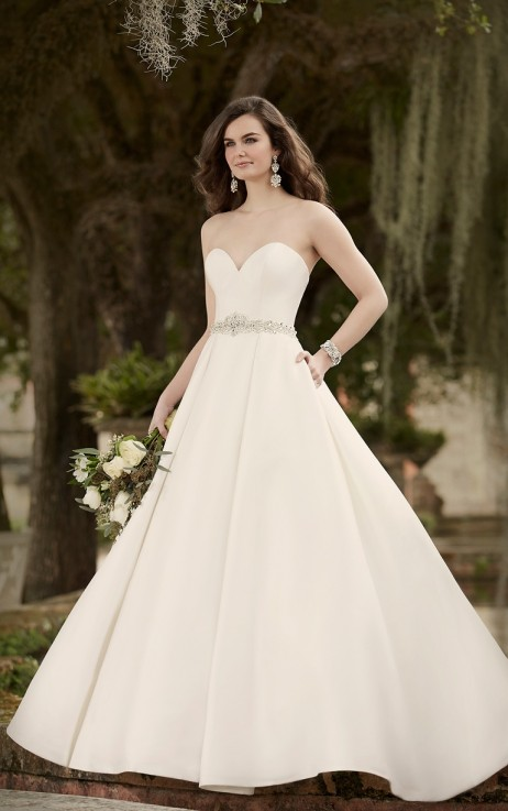 Essense of Australia Style 568901