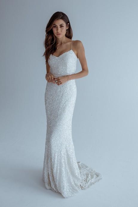 Karen Willis Holmes Style 688808