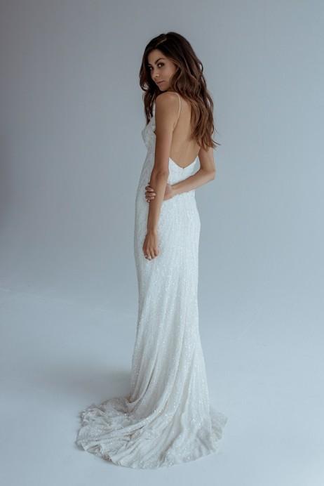 Karen Willis Holmes Style 688827