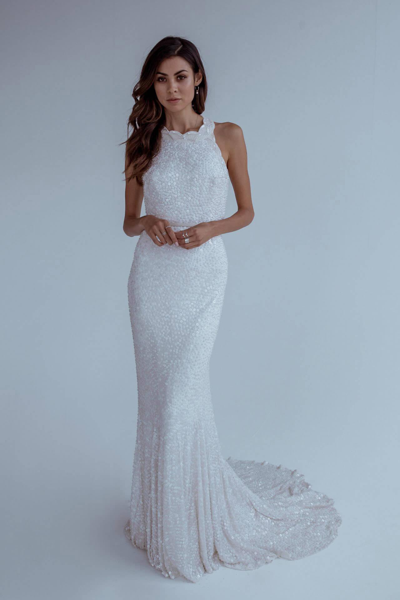 Karen Willis Holmes Style 688859