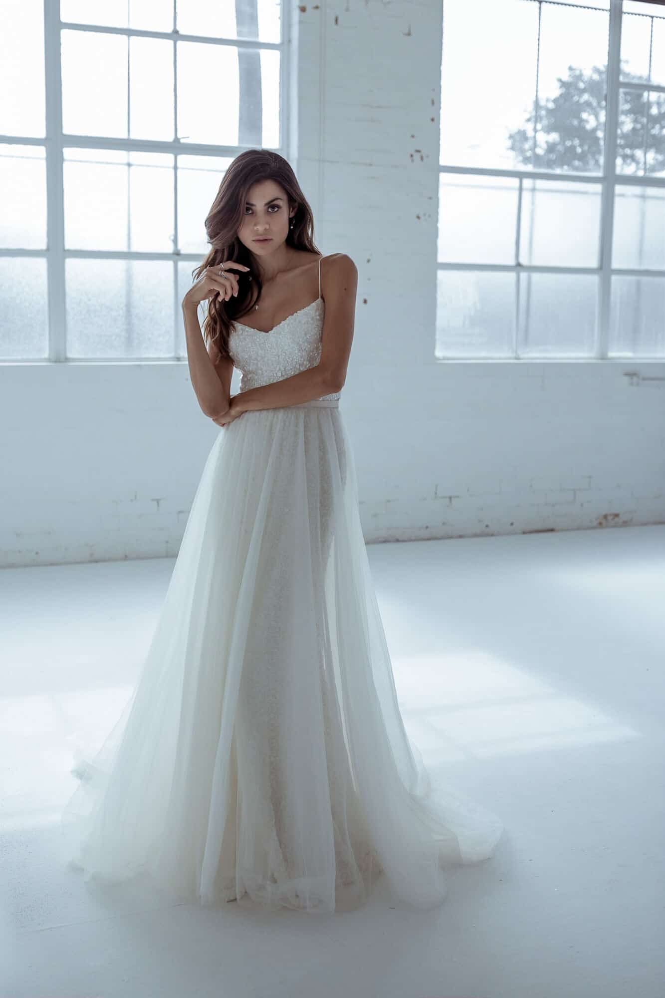 Karen Willis Holmes Style 688807